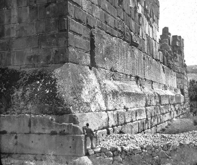 Baalbeck megaliths corner shot